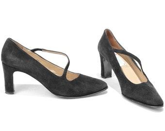 US women 8.5 Black Suede Pumps Vintage Footwear Asymmetrical 70s Elegant Classic Black Pumps Formal Office Heels from Italy. Eur 39 Uk 6
