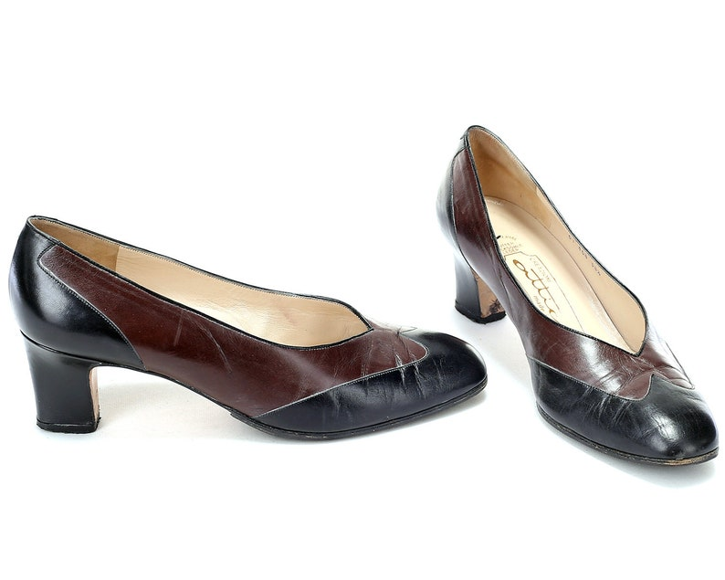 8b7cf1b87e52 US size 7.5 Two Tone Leather Pumps Black and Brown Vintage