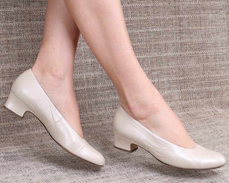 15d2dad20015ae US women 7.5 Off White Leather Flats Cream White Ballet Flats