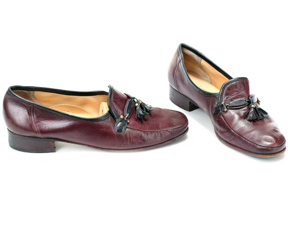 c4161af8e85e5 US women 10 Tassel Loafers Burgundy Brown Vintage 80s Leather Loafers  Flexible Sole Casual Retro Footwear Everyday Flats . Eur 41 Uk 7.5