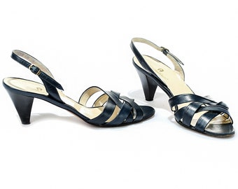 US women 8.5 Crisscross Sandals Vintage Etienne Aigner Shoes Designer Heels 80s Leather Sandals Navy Blue Sandal Heels . Eur 38 UK 6