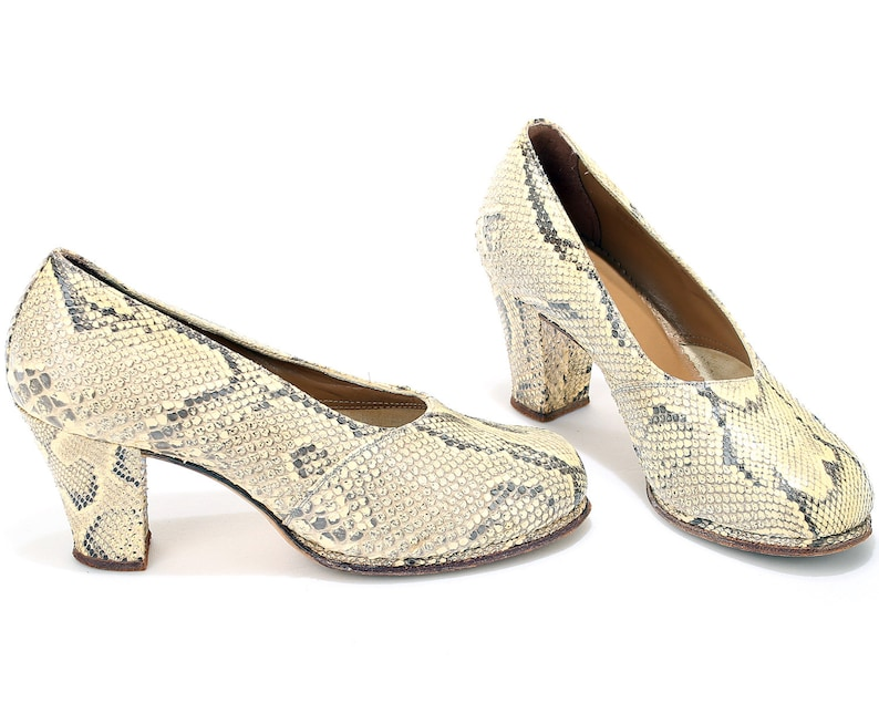 86fe4f3b8a5 US size 8 Snakeskin Shoes Women 40s Shoes Mid Century Rare Antique Shoes  War Era Fashion Wide Fit Heels Unique Gift . EUR 38.5 UK 5.5
