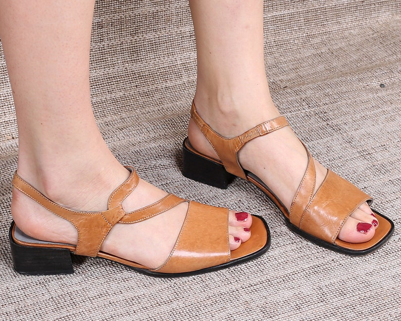 21dd8c1f4e792 US size 8.5 STRAPPY Sandals 90s Leather Vintage Chunky Block Heel Brown  Leather Sole Square Toe Shoes Summer Shoes UK 6 , Eur 39
