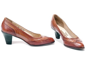 US women 7.5 Spectator Heels Vintage 70s Brown Retro Pumps Midi Heel Leather Shoes Italian Quality 1970s Footwear . EUR 38 UK 5