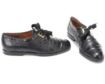 US women 9.5 Vintage Black Oxfords Cap Toe Ladies Manly Shoes 80s Leather Slip On High European Quality Wide Fit Lace Up Shoes . Eur 40 UK 7