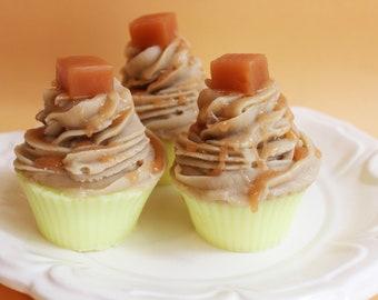 Cupcake Soap Raspberry Creme - Cake Soap, Raspberry Soap, Fruit Soap, Sweet Soap, Prank Soap, Fake Food Soap, Party Favor, Soap Favors, Cake