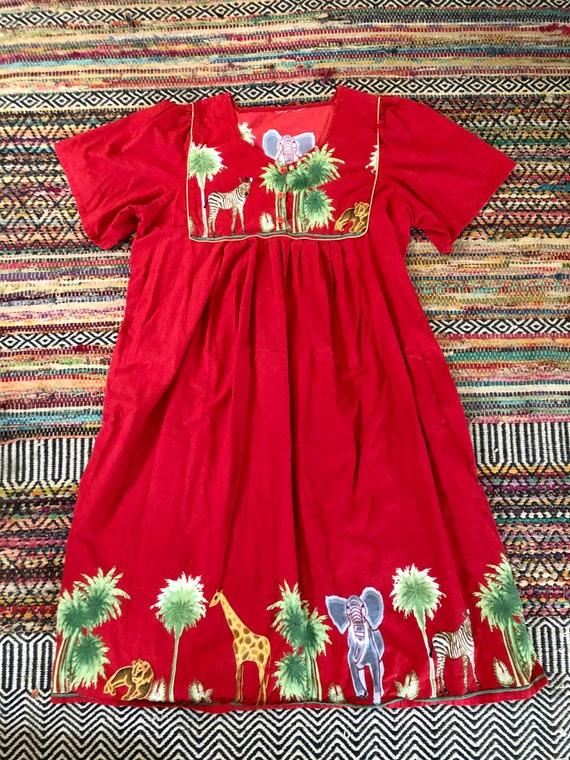 Super cute women\u2019s vintage 1980\u2019s Polynesian print dress Size mediumlarge