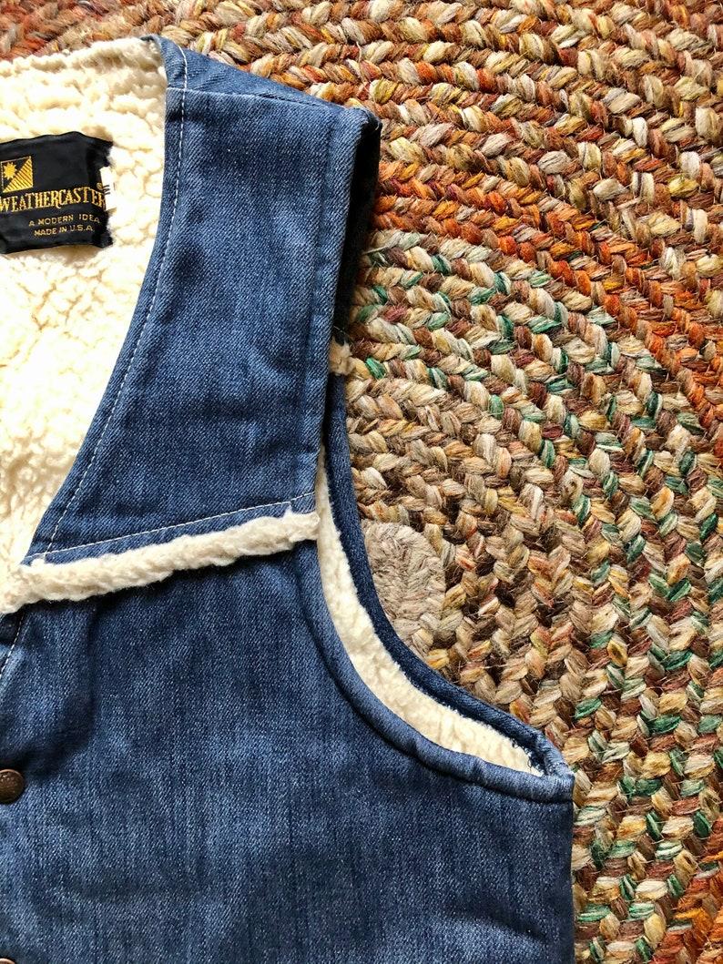 Rad 1970\u2019s vintage denim sherpa lined vest mens or women\u2019s size mediumlarge