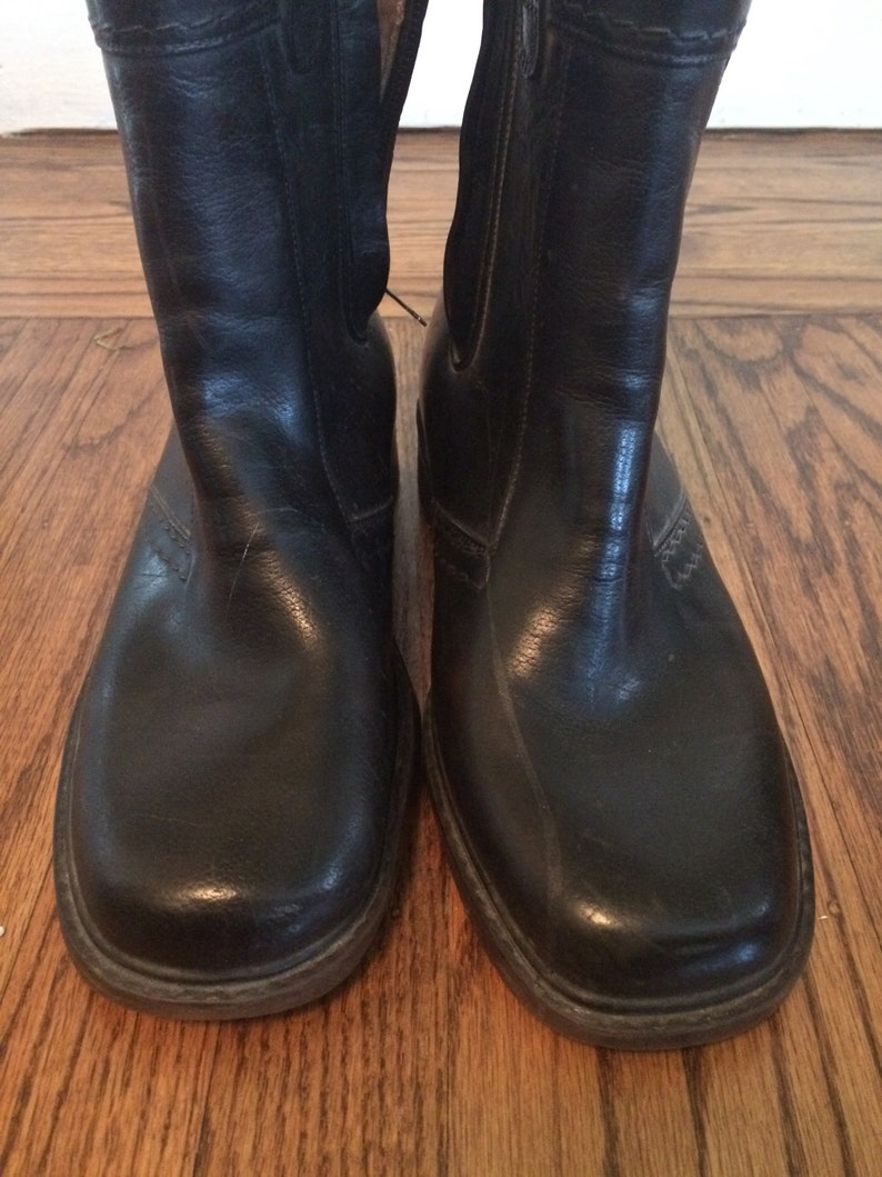 Vintage black 1960's70's mens or womens waterproof boots. Size 6(mens) 8 ( womens)