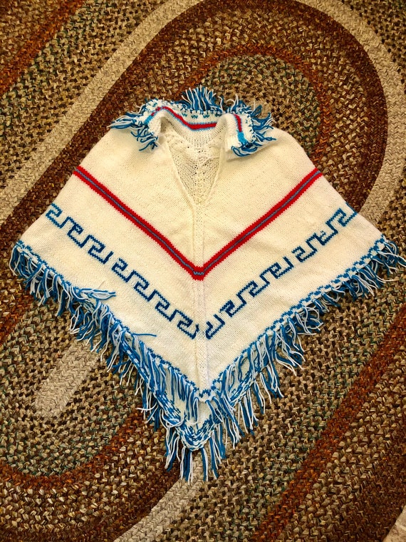 Amazing 1970's vintage hand knitted poncho. Free s
