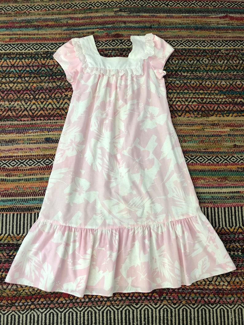 Adorable vintage 1980\u2019s hawaiian dress women\u2019s size smallmediumlarge