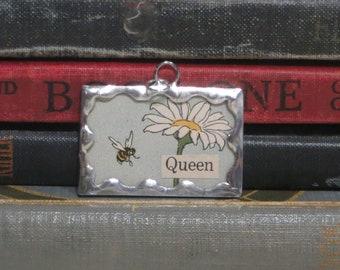 Queen Bee Pendant - Handmade Daisy Charm - Soldered Glass Pendant - Bee Charm - Floral Flower Garden Jewelry