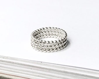 Stackable bead ball skinny ring