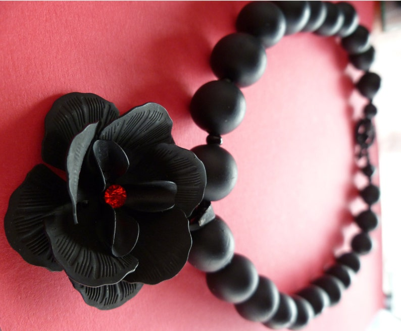 The Dark Flower Necklace image 0