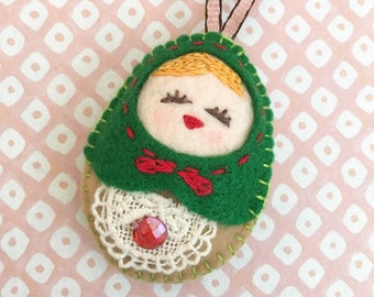 Felt Green Doll (Medium Size), Felt Russian Doll, Felt Matryoshka, Felt Handmade Christmas Ornament, X'mas Decor, Christmas Gift