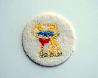 Kitty Cat Vintage Sew-On Applique, red and yellow cat patch, vintage sewing trims, 1980s vintage patch, kitty cat lover gift patch applique