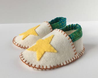 Wool Felt Baby Shoes -- stars