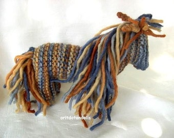 Knitted horse Waldorf education made of pure wool yarn