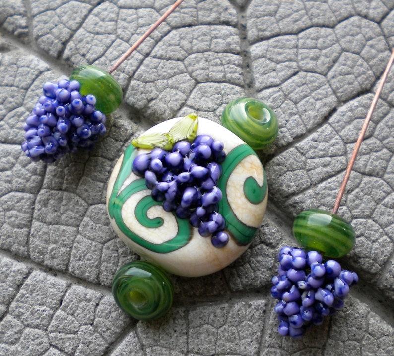 unique headpin Grape Headpin glass headpin Lampwork Focal purple lampwork Lampwork Headpin lampwork pendant bead Lampwork Grape Set