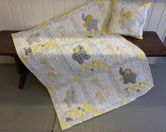 Giraffes and Elephants applique baby quilt