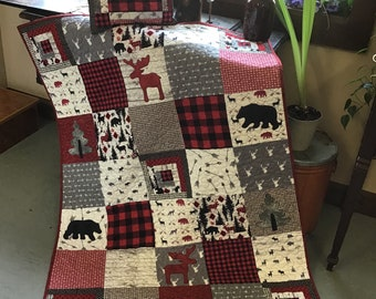 Cabin baby quilt with matching pillow