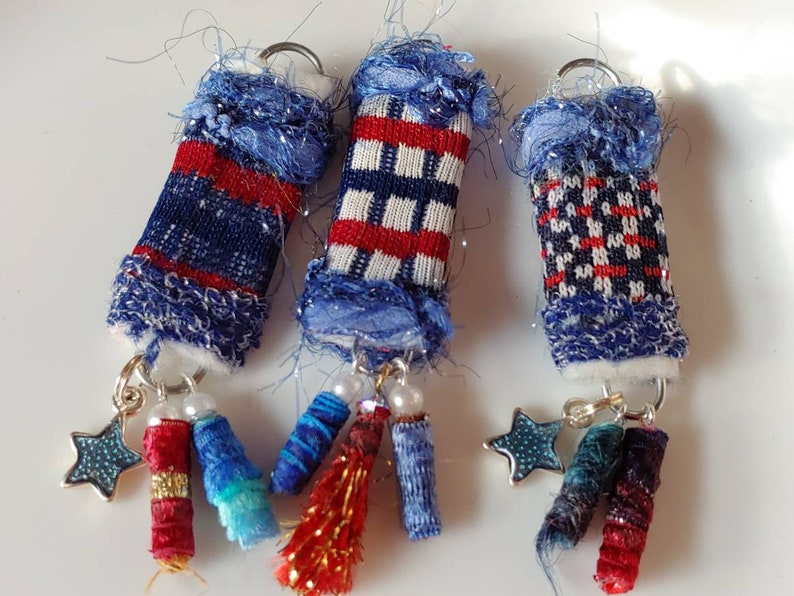 White and blue bead dangle fabric bead P2 This is it The year of the holiday projects has begun and we are ON IT Red