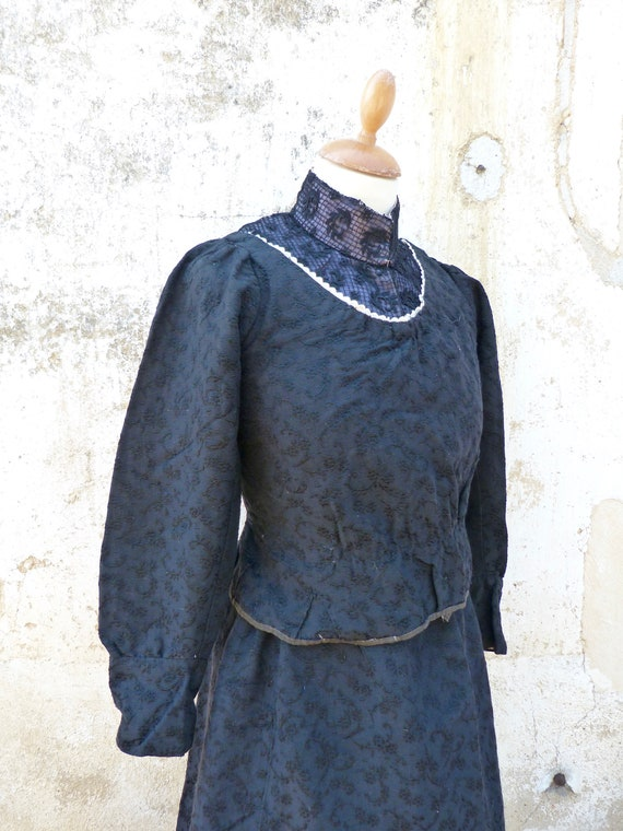 Vintage old French Victorian 1890s worker peasant