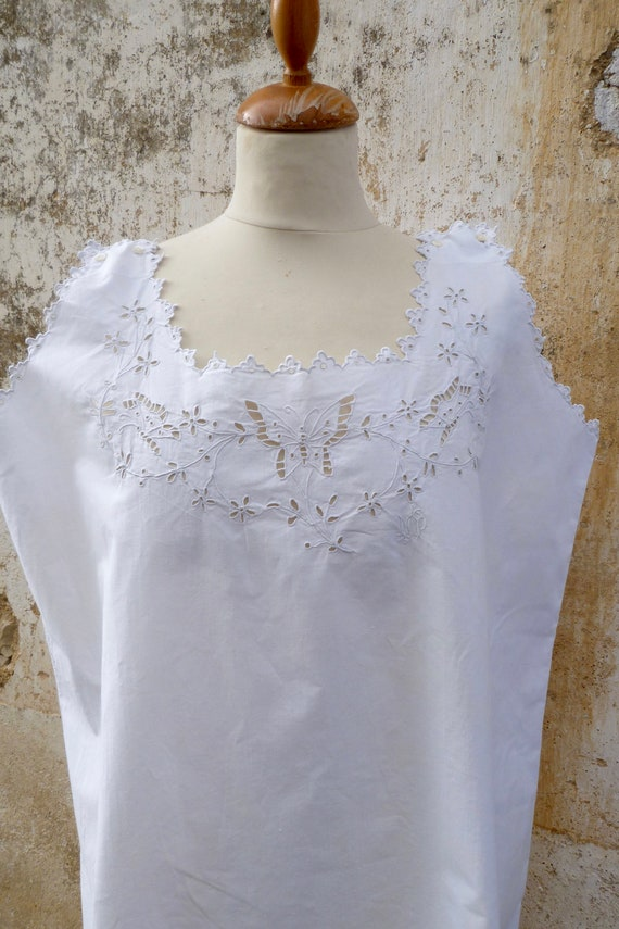Vintage Edwardian old French white cotton hand emb