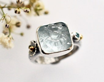 Carved Flower Aquamarine Ring, Simple Silver Gemstone Ring with Botanical Detail, Everyday Faceted Stone Ring, Bezel Work Ring