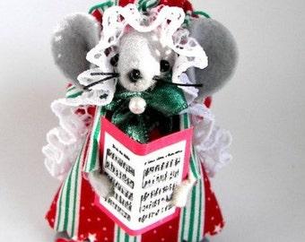Christmas Mouse  Ornament Caroler Mouse Musical Felt Mouse Tree Ornament Singer
