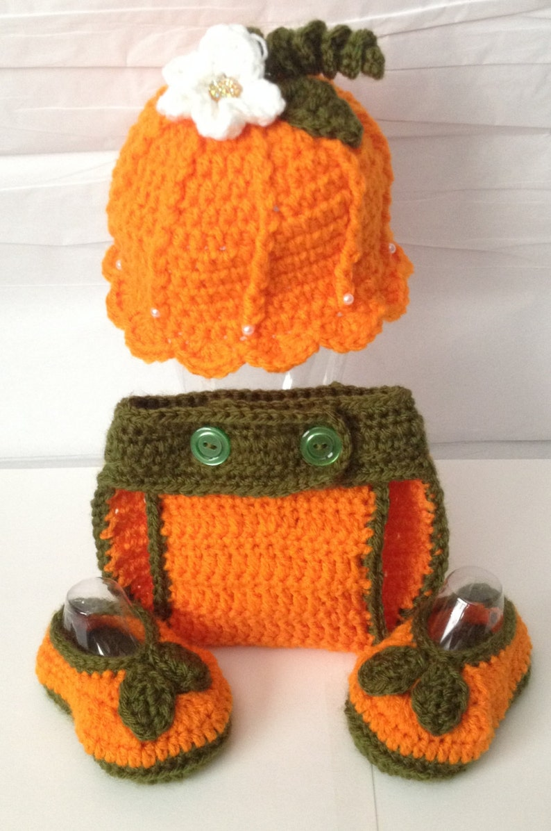 Handmade CrochetedScallop Edge Pumpkin Outfit / set Photo image 0