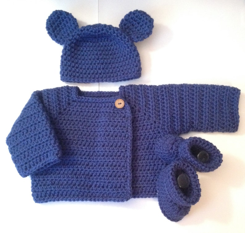 Adorable Front Wrap Sweater Booties/ Shoes & Bear Hat  image 0