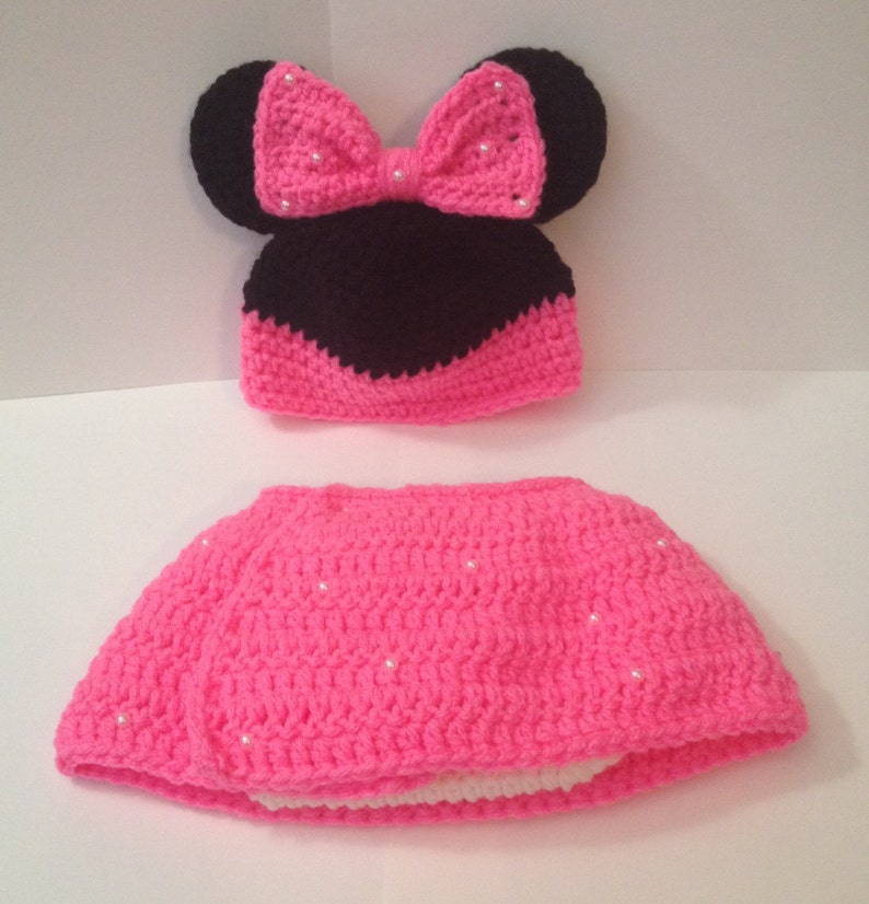 Minnie Mouse Hat/ Beanie with Matching Diaper Cover Skirt   image 0