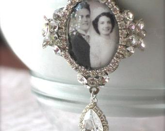 Memory Wedding Bouquet Photo Charm, Unique Bridal Bouquet Charm, Swarovski Crystal Memory Photo Charm