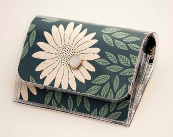 Handmade Vinyl Accordion Wallet - Daisy Blue / small wallet, snap, cute, card case, vinyl wallet, women's wallet, floral, daisies, gift