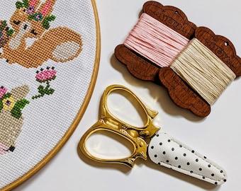 Cute Squirrel Embroidery Scissors, snips, cross stitch scissors, woodland, gift, craft scissors, sewing scissors, embroidery scissors