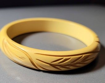 Authentic Bakelite Bangle Bracelet - Opaque Creamed Corn, Yellow, Deep Carved, Maiden's Bracelet (Tested)