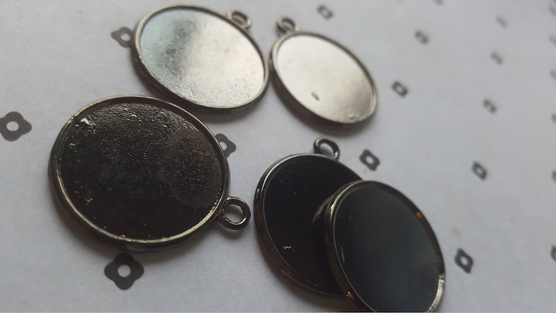 30pcs Gunmetal frame charms blank pendant 25mm tray lot