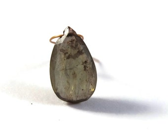 One Andalusite Bead, Natural Gemstone, Elongated Briolette, 1 Top Drilled Color Changing Teardrop, 14mm x 8mm (B-An4)