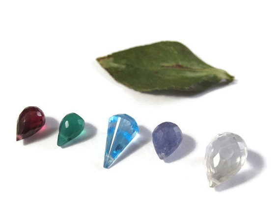 Five Gemstone Beads, Briolette Mix, Rhodolite Garnet, Tanzanite, Blue Topaz, Green Onyx, Palest Rose Quartz, Natural Stones  (L-Mix7e)