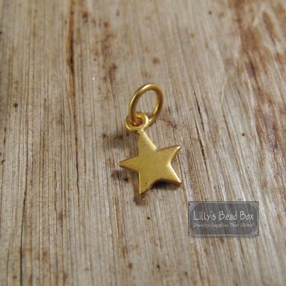 Tiny Brushed Gold Star Charm, Gold Lucky Star Pendant, Matte Finish, Vermeil Star Charm for Jewelry Making, Jewelry Supplies (CH 862 gp)