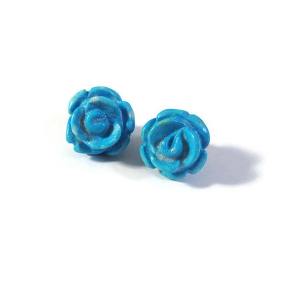 Two Matching Gemstone Beads, 2 Turquoise Howlite Carved Rose Beads, 17mm x 12mm, Jewelry Supplies (Pt-Ho1c)