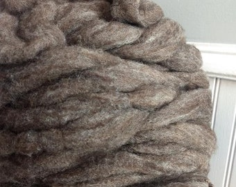 Wen-Mar Farm Bluefaced Leicester BFL roving - natural brown 1oz