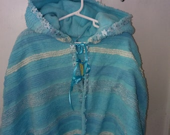Girl/'s SALE Vintage Chenille and Fleece Reversible Hooded Cape