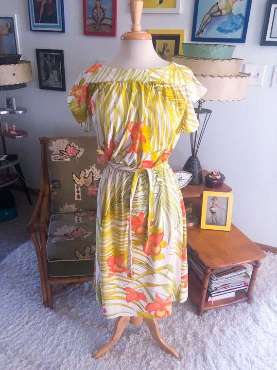 1940s style Floral Dress  / 40s style Hawaiian dre