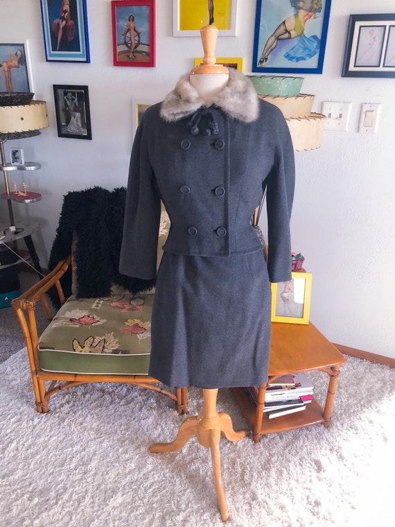 1950s Suit / 50s Wool Jacket Fur Collar Skirt