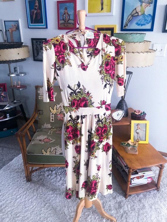 1940s Dress / 40s floral jersey knit dress
