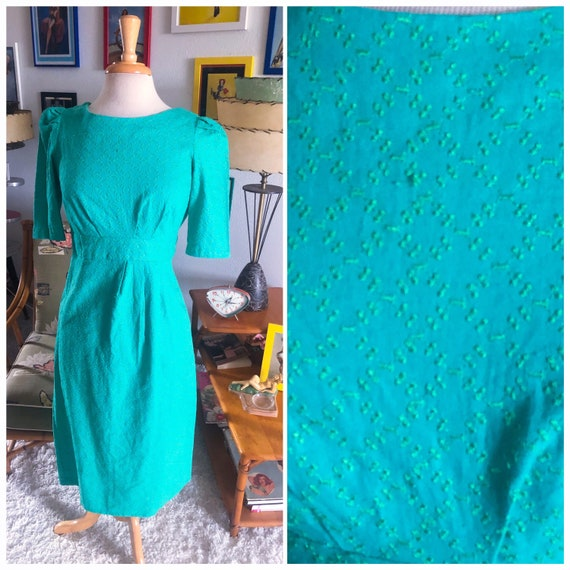 1950s Embroidered Dress / 50s green wiggle dress