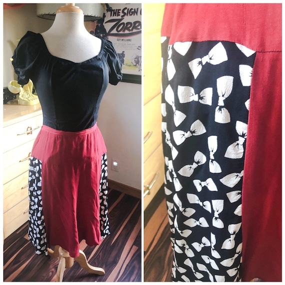 1940s style Skirt  / 40s style bow novelty print s
