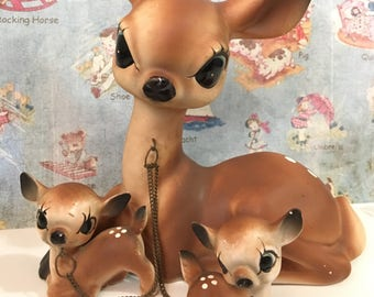 FREE WORLDWIDE SHIPPING Vintage Antique Doe and Fawn Deer Family Collectible Figurines